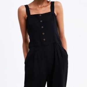 NWT Zara Buttoned Jumpsuit With  Straps.